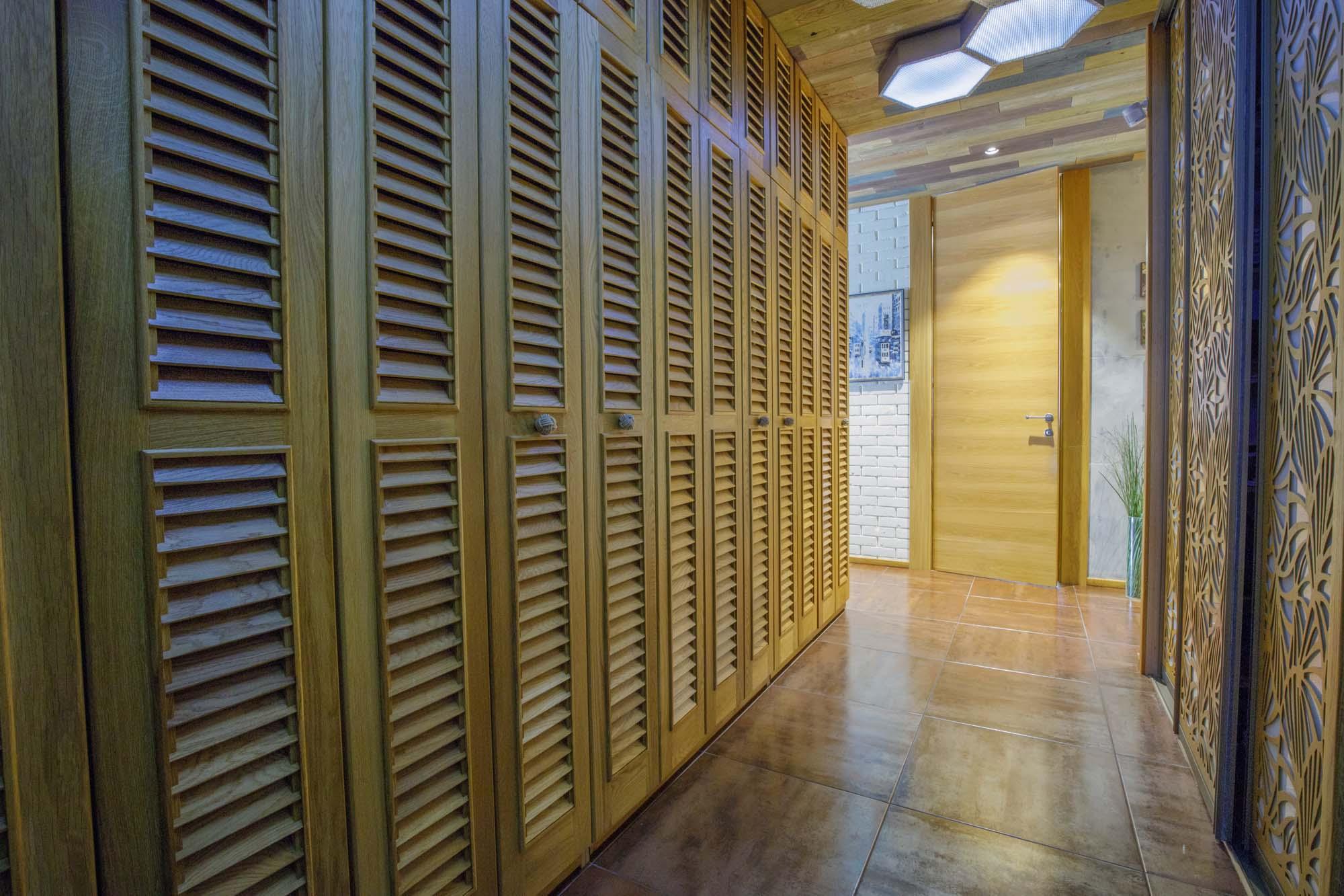Продам - Элитная квартира на Нагорной.Площадь: 227 метров квадратных, 142 полезная, 85 терраса, две спальные, зал, кухня, два санузла. -Нагорная - цена: 65000000