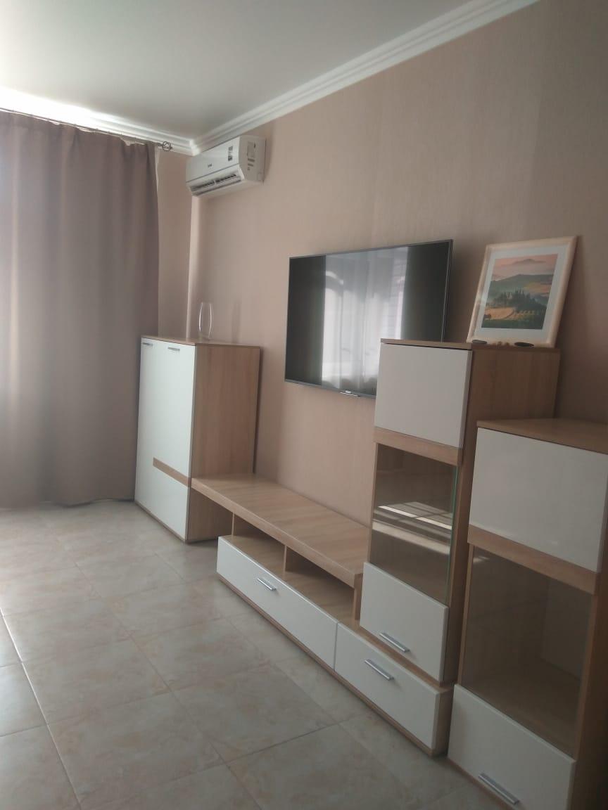 Продам - Продается по цене собственника крупногабаритная 1-комнатная квартира в Сочи на ул. Ворошиловская, 9/5 -Ворошиловская,  - цена: 7300000