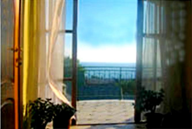 Сдам - 2-комнатная квартира , 45 кв.м , 3 /4 эт посуточно - - цена: 1800