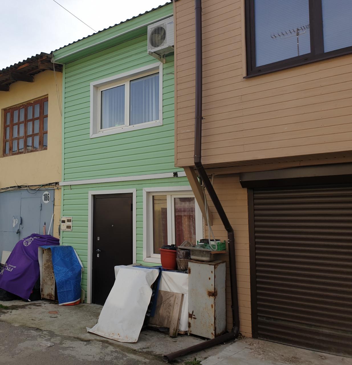 Продам - Жилой гараж в центре Адлера -Авиационная - цена: 2 300 000