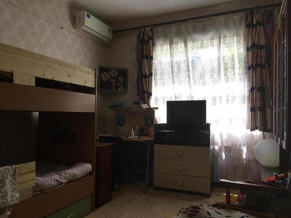 Продам - Срочная продажа. Продается комната, площадью - 17 метров квадратных в малосемейке по ул. Нагорная. -Нагорная - цена: 1750000
