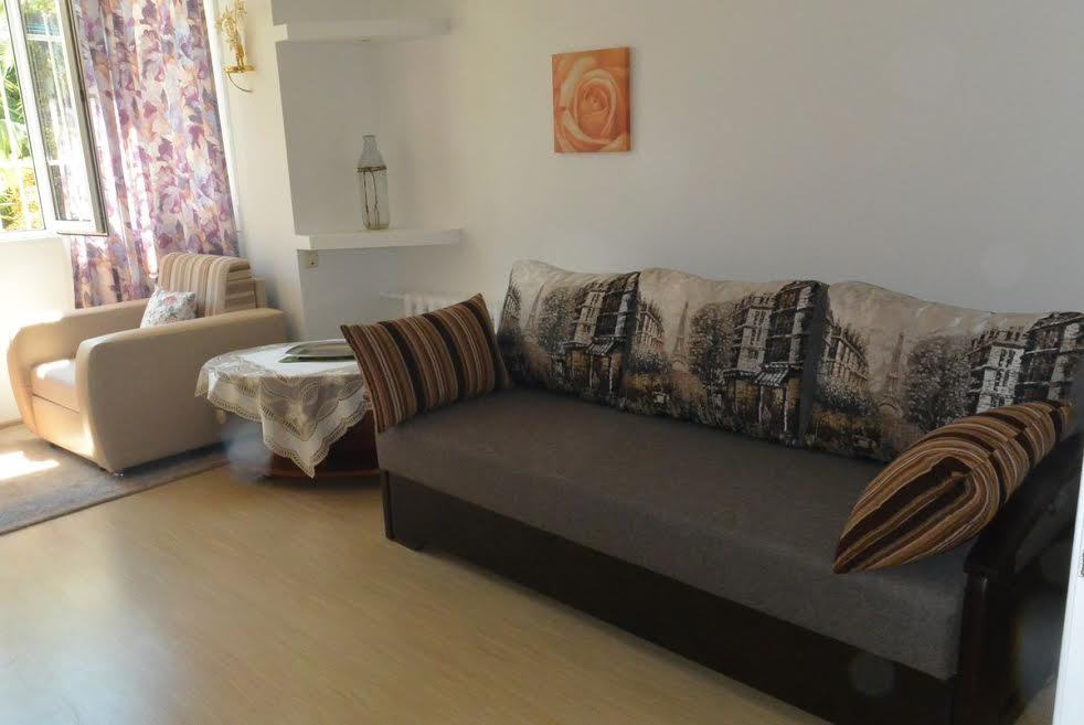 Продам - Продаю 2-х комнатную квартиру в самом центре Сочи у Ривьеры. Собственник. -Парковая - цена: 8500000