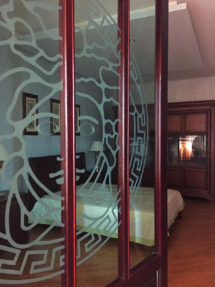 Продам - Продам 3-конм. квартиру на ул. Бытха, 30/1 Квартира с ремонтом, мебелью и техникой. Вид на море. 3/5 эт. 136,5 кв.м. -Бытха  - цена: 14500000 руб.