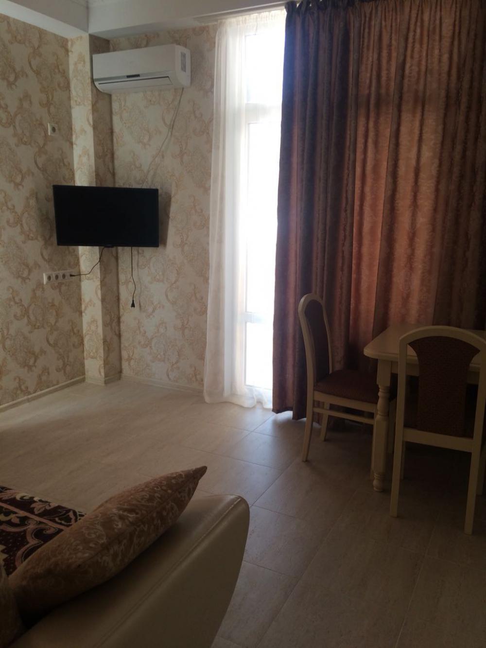 Продам -  23 Продаю полуторку 43 кв.м. с ремонтом, мебелью и техникой ул. Кленовая, д. 5 -Кленовая - цена: 6200000 руб.