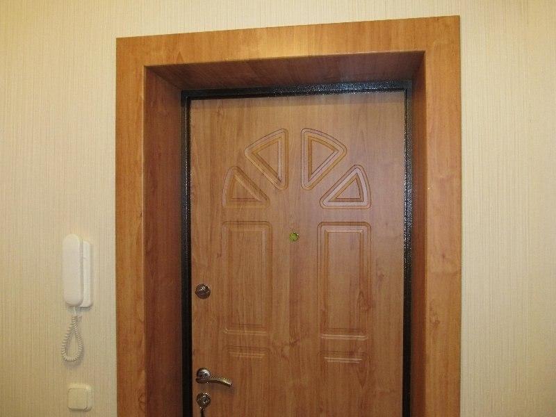 установка стальной двери облицовка