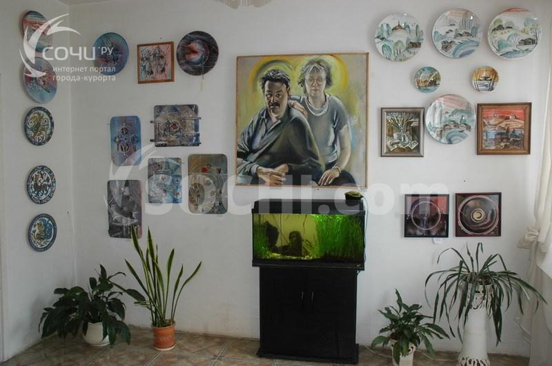Частный музей керамики и живописи Юрия Новикова